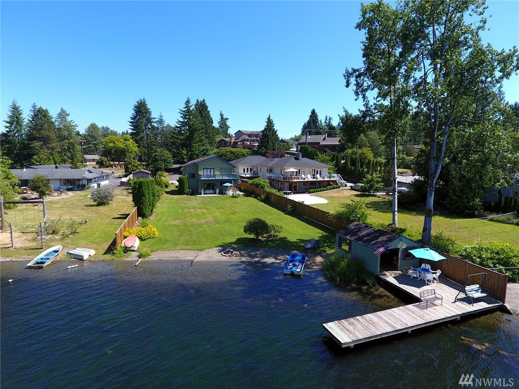 1518 E Lakeshore Dr, Lake Stevens, WA 98258