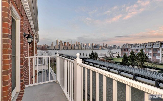 510 Harbor Place, West New York, NJ 07093
