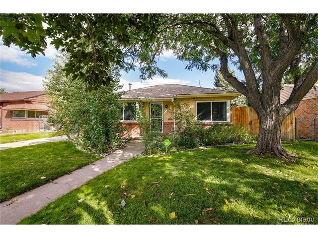 Large home in 2340 Oneida Street North Park Hill Denver CO