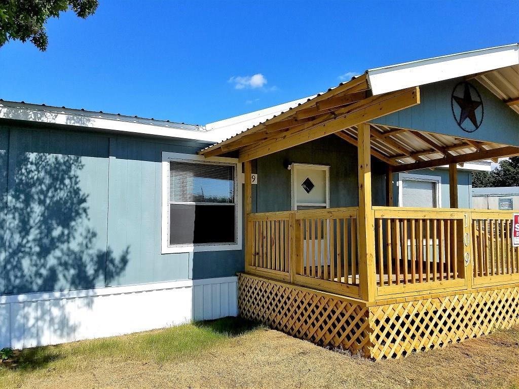 109 Parkview Circle, Southmayd, TX 76268