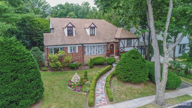 3 Laurel Avenue, Clifton, NJ 07012