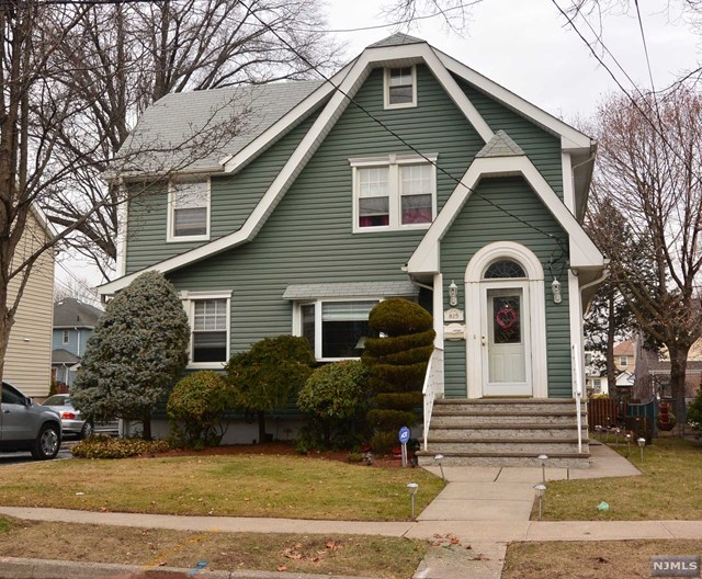 825 Elm Avenue, Ridgefield, NJ 07657