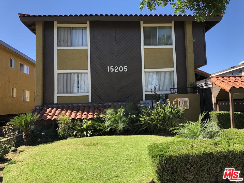 15205 S BUDLONG Avenue 16, Gardena, CA 90247
