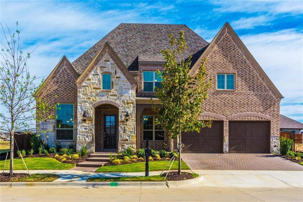3907 Cathedral Oak Drive, Arlington, TX 76005