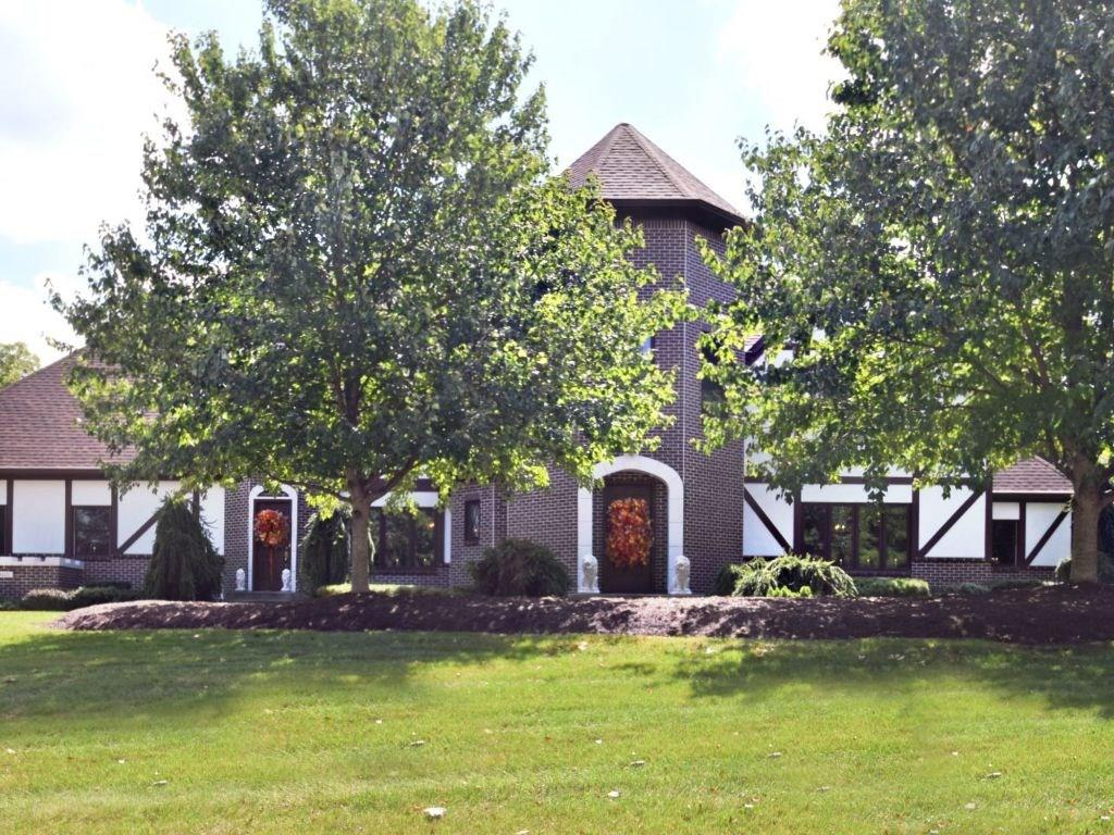 8113 Traders Hollow Lane, Indianapolis, IN 46278