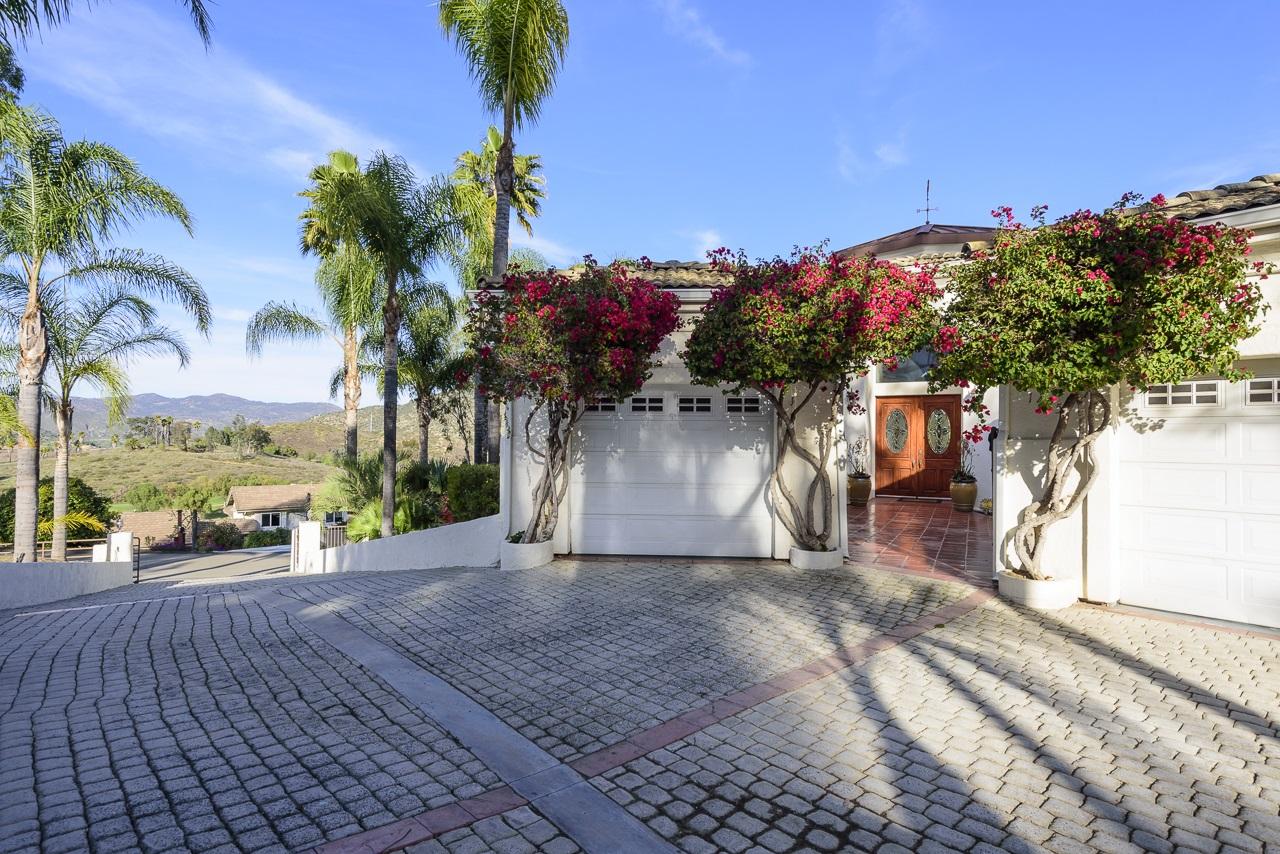 1425 Victoria Glen, Escondido, CA 92025