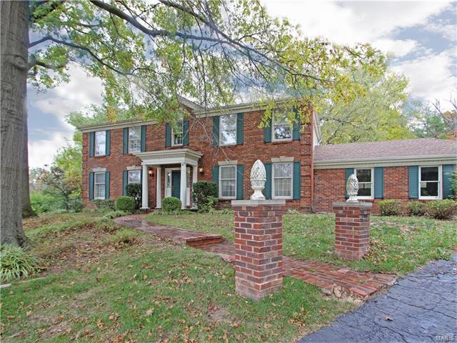 580 Pinetree Lake Court, Chesterfield, MO 63017