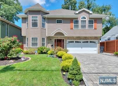 17 Beulah Place, Bergenfield, NJ 07621