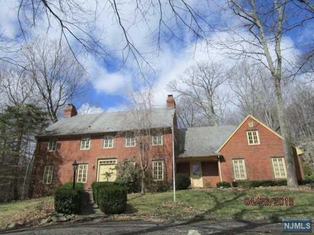 98 Rockburn Pass, West Milford, NJ 07480