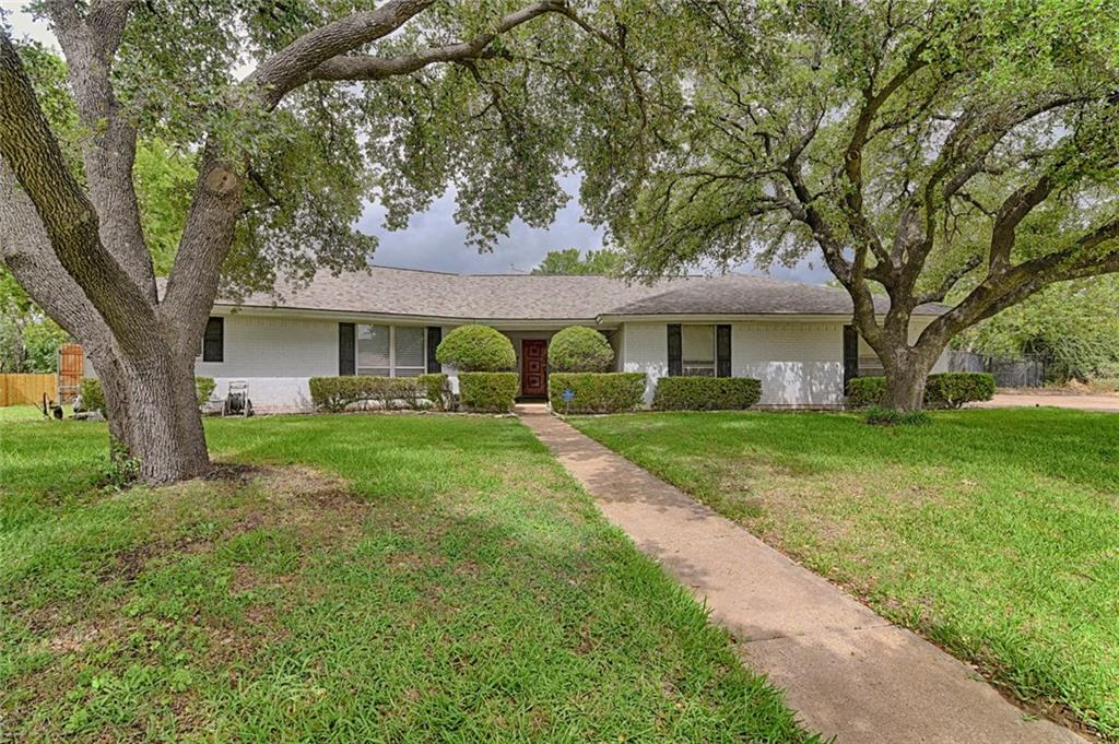 PRIDE OF OWNERSHIP!! Move-In Ready! Large, oversized, .33 acre lot on cul de sac. Seller has prepared this home for the new homeowner to move-in and enjoy with a peace of mind!! NEW ROOF, GUTTERS - Owens Corning Platinum Class IV hail impact resistant - June 2018. Class IV hail impact resistant roofs are typically eligible for significant discounts to homeowners annual insurance premium.  NEW AC, Furnace - LENNOX installed - May 2018. Wood-like flooring throughout, open kitchen, NEW interior doors, NEW paint. Backyard basically has 2 backyards with deck. Deck has been freshly stained. Home backs up to greenbelt. Open-entry walk way, nicely manicured landscaping. Leave the master directly to enjoy the backyard!!