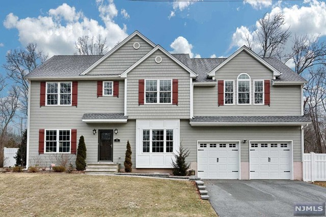 95 White Pond Road, Waldwick, NJ 07463