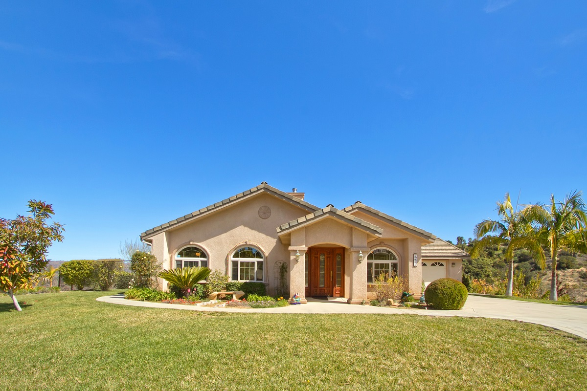 255 Patton Oak Rd, Fallbrook, CA 92028