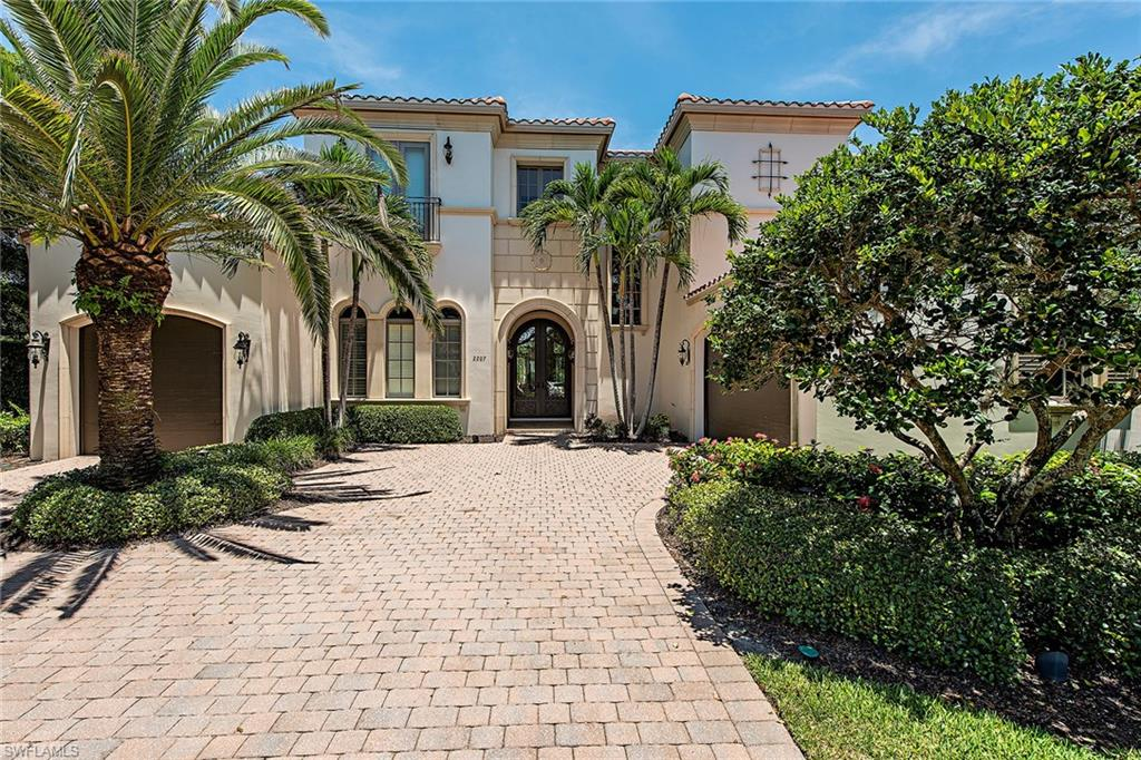 2207 Miramonte WAY, NAPLES, FL 34105