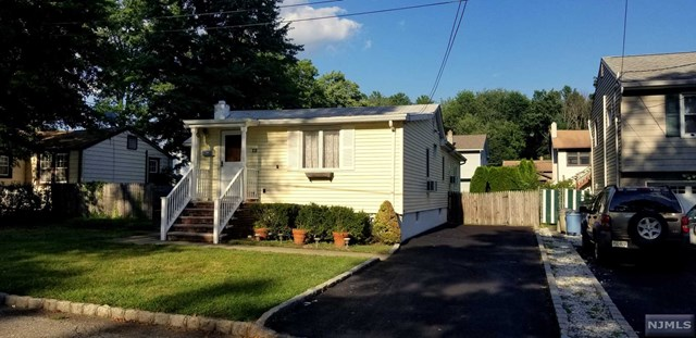 12 Eldora Road, Par-troy Hills Twp., NJ 07054
