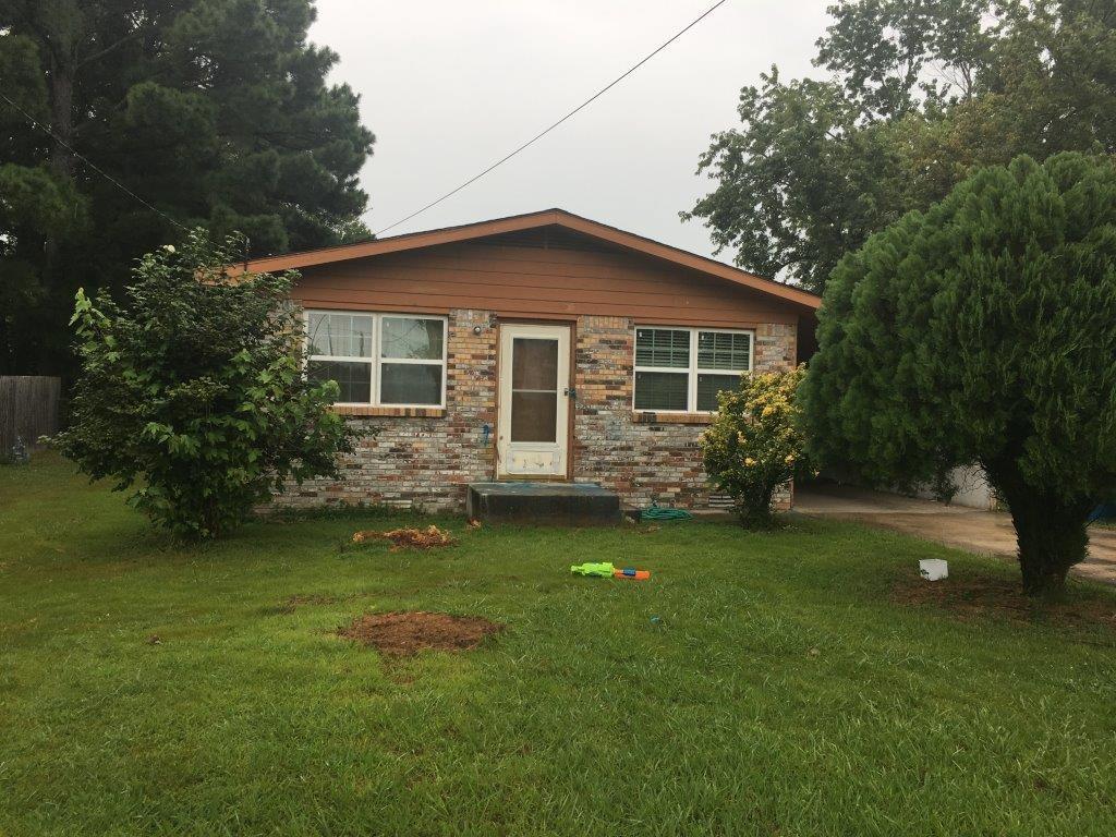 1305 SE Benton ST, Bentonville, AR 72712