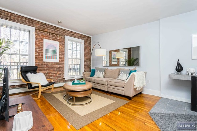 207 4th Street, Hoboken, NJ 07030
