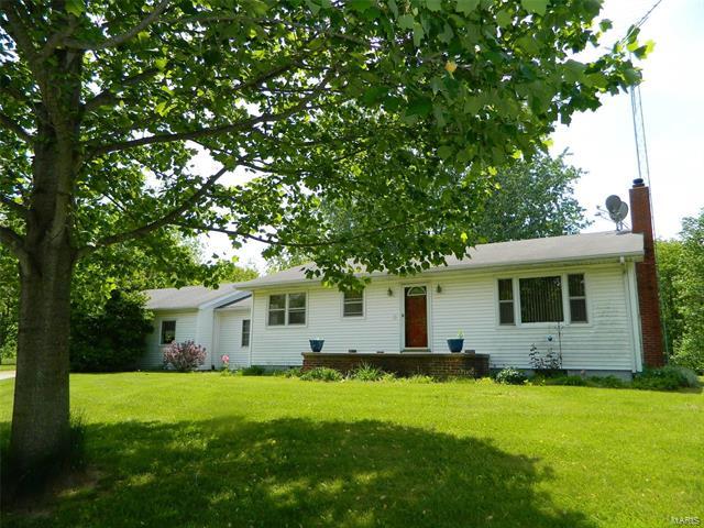 179 Duffs Lane, Hillsboro, IL 62049