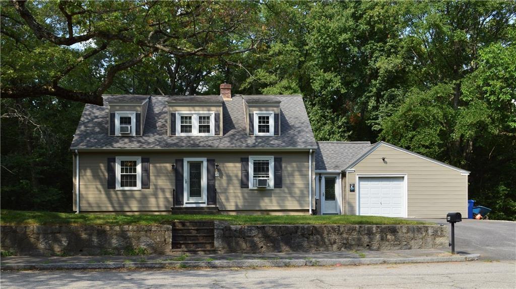 227 Cobble Hill RD, Lincoln, RI 02865