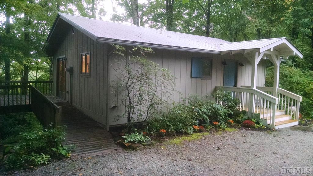 15 Sequoia Lane, Lake Toxaway, NC 28747