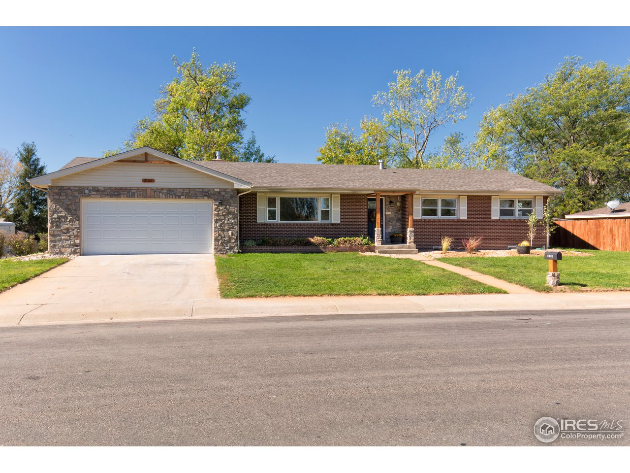 OPEN HOUSE Sun 11/18  from 2:30 pm to 4:30 pm Fabulous 6 Bedroom 3 Bathroom Remodel!  All Brick  2935 sq feet located on a corner lot in Cascade Park.  Remodel Includes; Fresh Paint, New Carpeting, Granite, Kitchen flooring and appliances, Bathroom sinks, fixtures, tile, finished oak flooring AND MORE!  Exterior updating with New Roof, Stone work and Cedar trim, and fresh landscape!  CALL ME TO SEE HOW YOU CAN RENT TO OWN THIS HOME!
