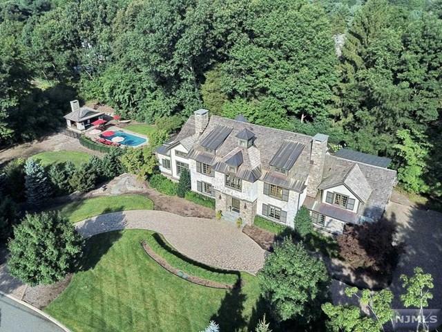 378 Hillview Terrace, Franklin Lakes, NJ 07417