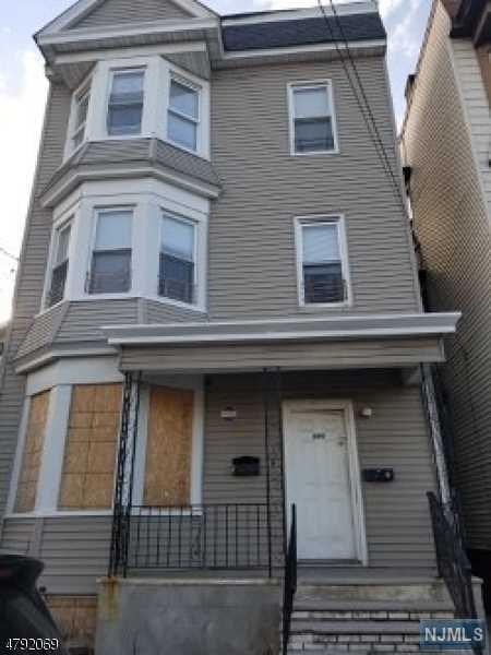 689 S 18th Street, Newark, NJ 07103