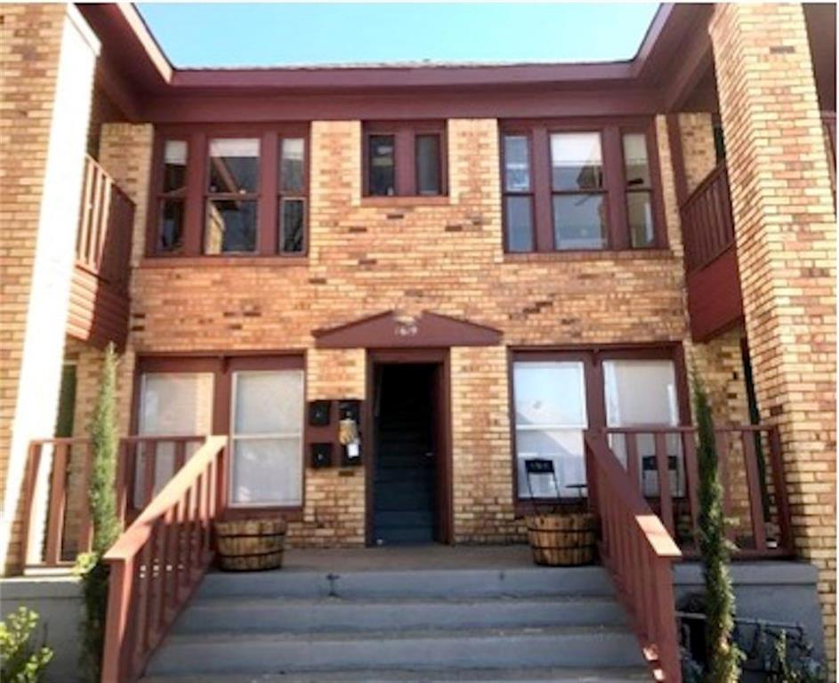 Solid investor opportunity in near Southside area of Fort Worth. 100% occupied cash flowing 4 flex in the Fairmount Historic District. Strong upside income opportunity through remaining unit upgrades, utility conversion, parking improvements and management. Within 5 blocks walking distance to Magnolia Avenue restaurants, shops, parks and nightlife. All units are 2 BDRM, 1 BATH. Off street parking in rear. Owners also selling nearby four-plex MLS #13872135.