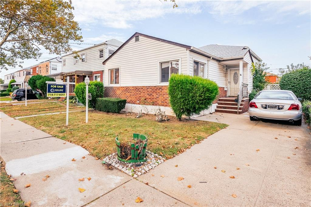 BEAUTIFUL WAXMAN SPLIT HOME IN CANARSIE   THIS HOME FEATURES 3 SPACIOUS BEDROOMS  LIVING AND DYNING ROOM BASEMENT AND HUG YARD SPACE  THIS HOME IS A MUST SEE  ITS LOCATED  ON A BEAUTIFUL  BLOCK PEACEFUL AND QUIET  WORDS CANT EXPLAIN  YOU JUST HAVE TO SEE I PROMISE YOU WILL FALL IN LOVE.