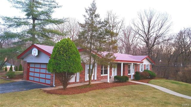 243 Chateaugay Lane, Chesterfield, MO 63017