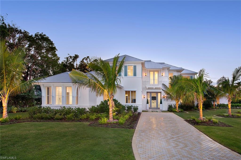 417 Palm CIR W, NAPLES, FL 34102
