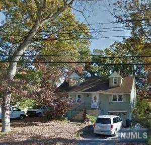 34 Oakwood Drive, Ringwood, NJ 07456