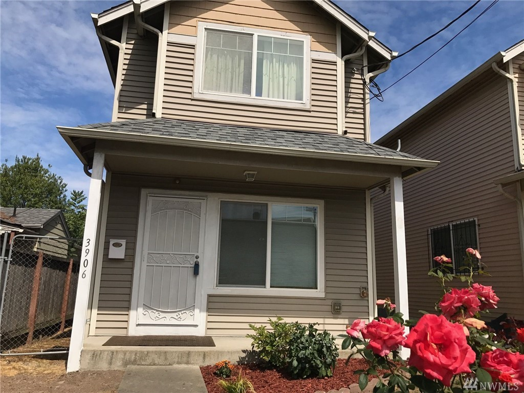 3906 S Holly St, Seattle, WA 98118