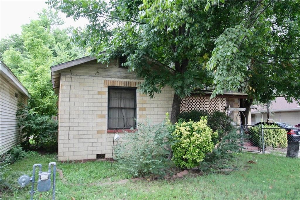 1316 W Huntsville AVE, Springdale, AR 72764