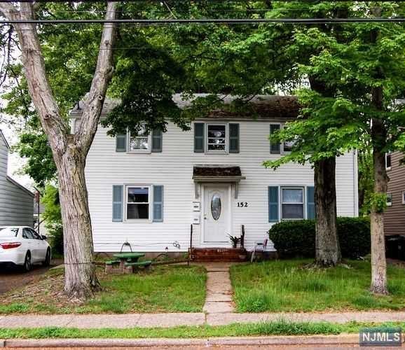 152 E 54th Street, Elmwood Park, NJ 07407
