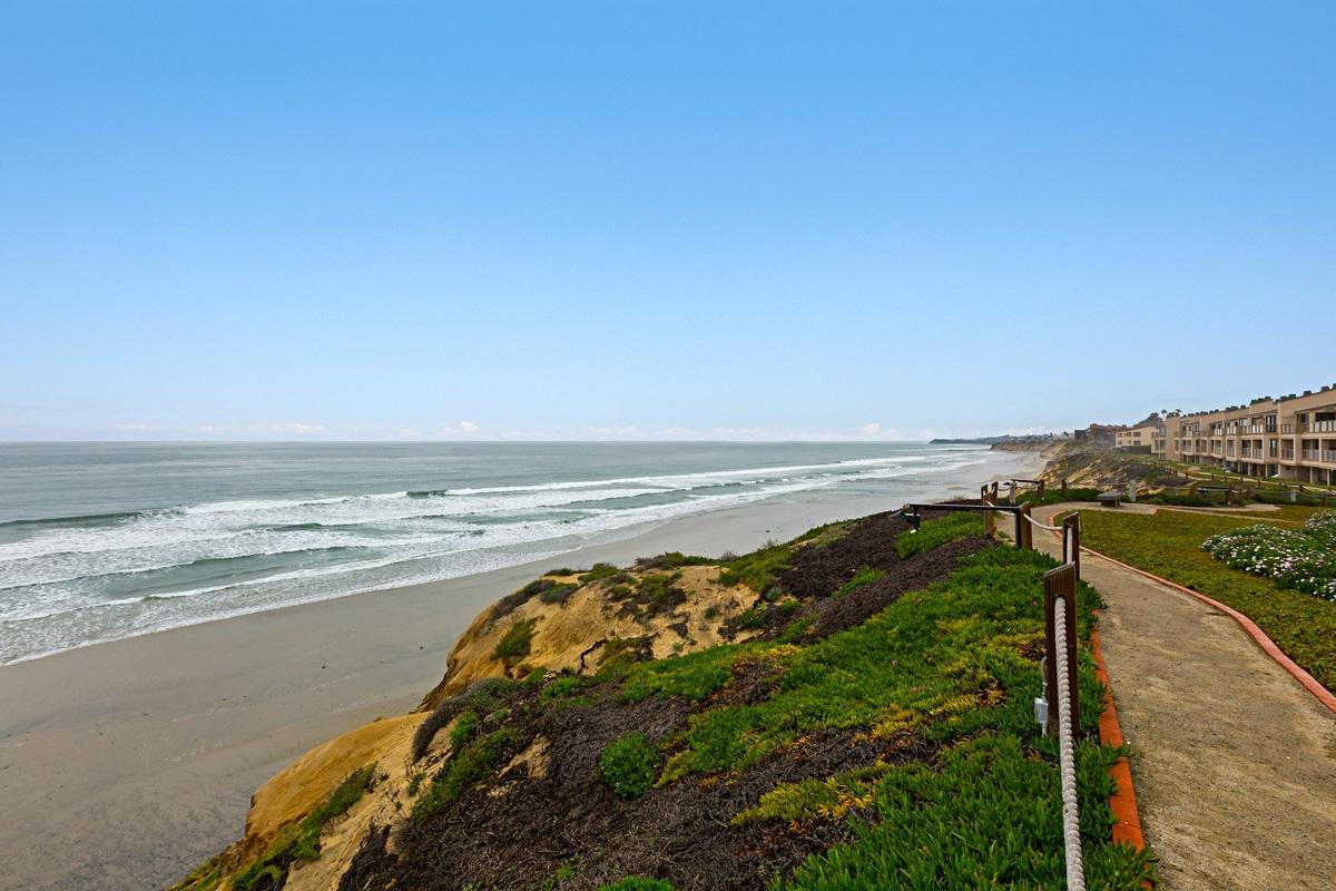 , Solana Beach, CA 92075