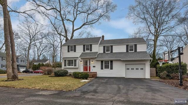 23 Woodland Court, Pequannock Township, NJ 07444