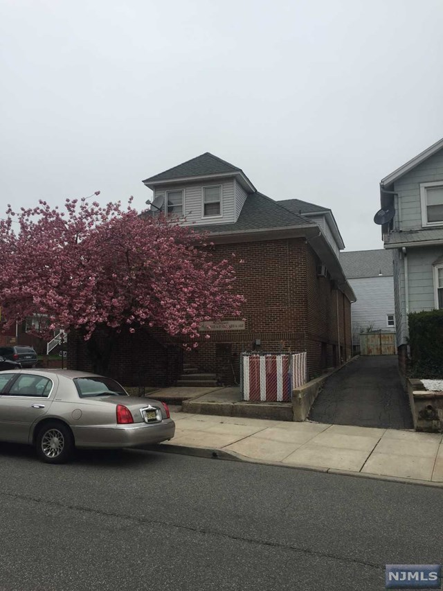 621 Valley Brook Avenue, Lyndhurst, NJ 07071