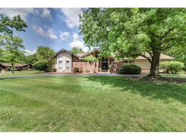 15123 Denwoods Drive, Chesterfield, MO 63017