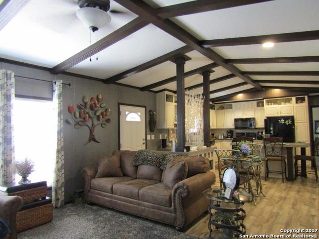 1494 Linda Dr, Canyon Lake, TX 78133