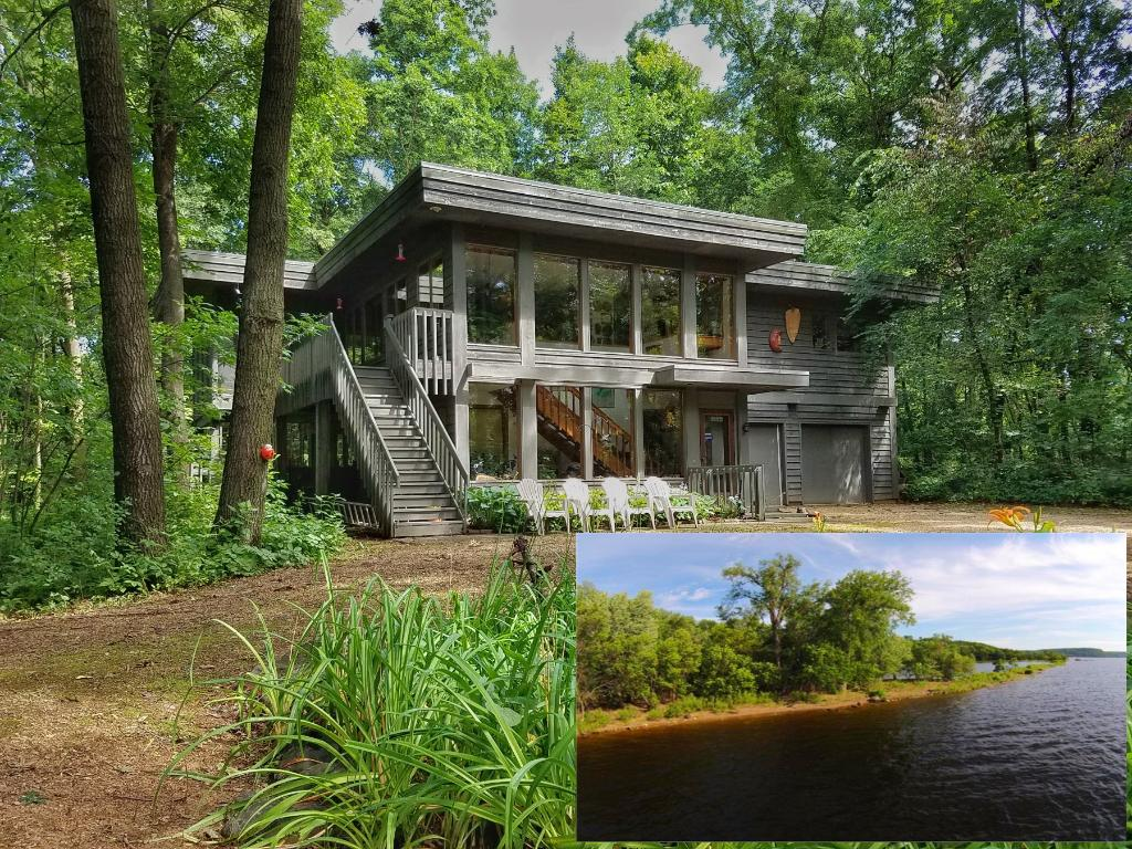 276 West Grove Road, Hudson, WI 54016