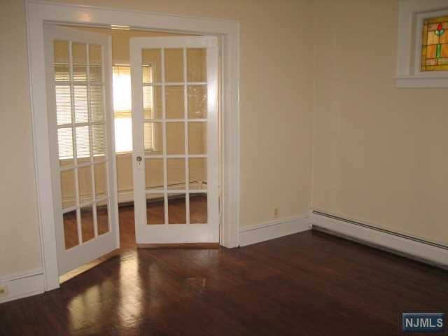 221 Hayward Place, Wallington, NJ 07057