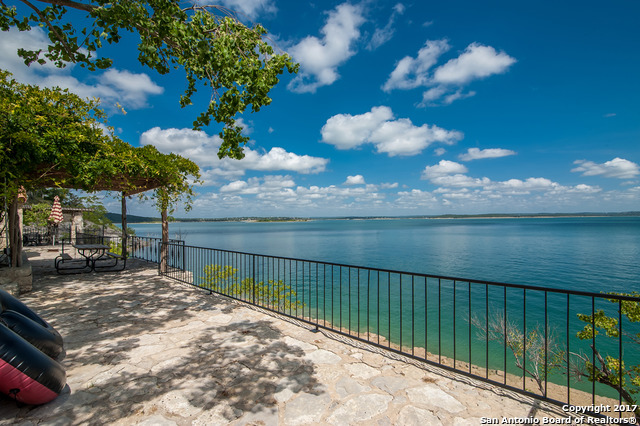 1085 Janet, Canyon Lake, TX 78133