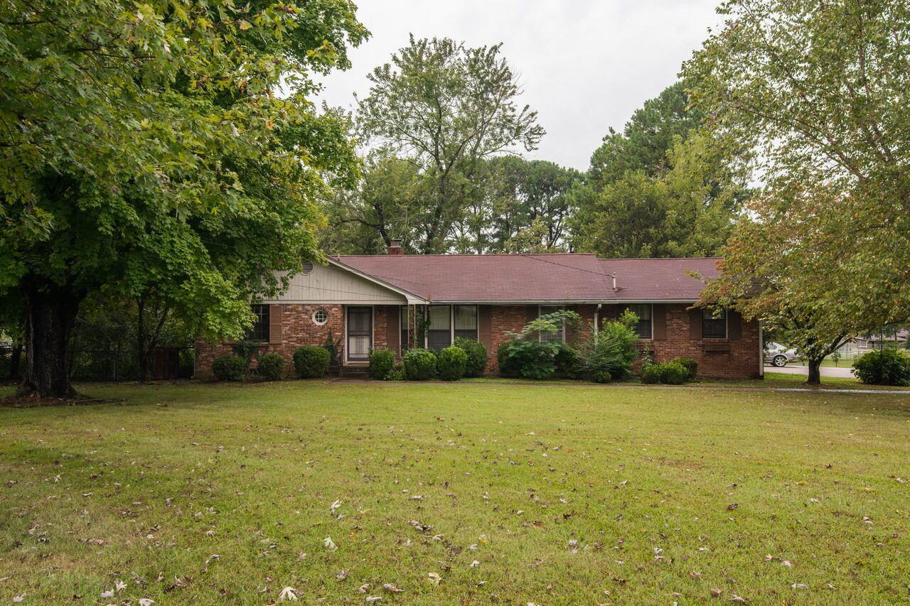 416 Indian Lake, Hendersonville, TN 37075