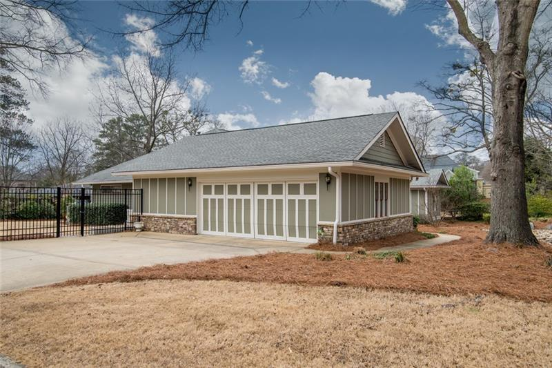 Completely level, private, fenced-in yard!