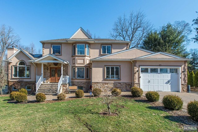 31 Earl Place, New Providence, NJ 07974