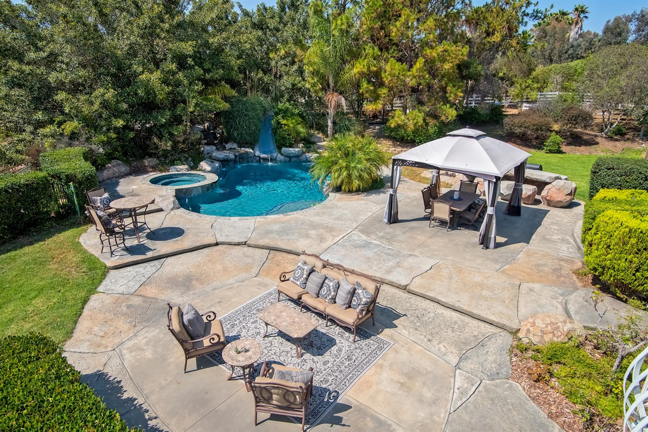 2950 Wishbone Way, Encinitas, CA 92024