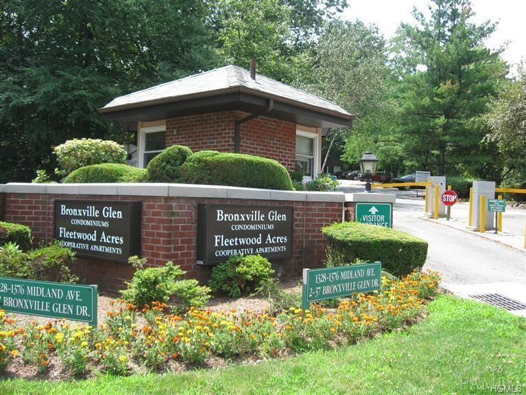 Private top floor nicely renovated duplex condo unit in sought after Bronxville Glen gated community.  Offers hardwood floors, balcony, central ac, private storage, assigned parking in park like setting.  Abundant closets, cathedral ceiling, laundry in unit, and conveniently located. Close to metro north railroad, bus, shops, dining and highways. Enjoy the outdoor pool. Small dogs welcome for a monthly $50 fee.