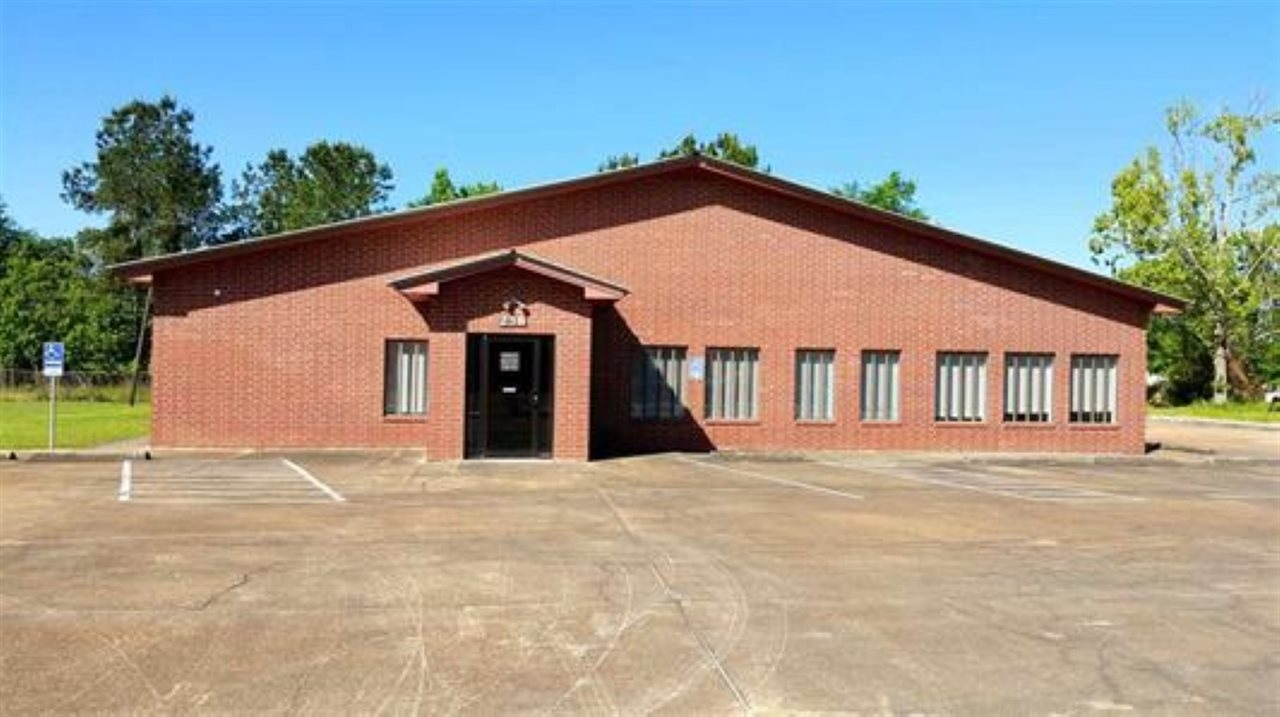 238 County Road 762, Buna, TX 77612