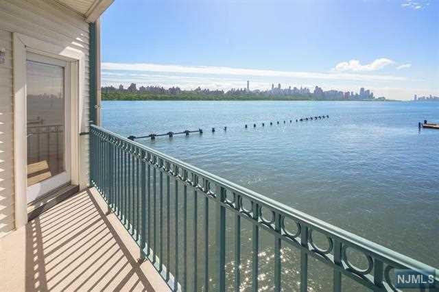 216 The Promenade, Edgewater, NJ 07020