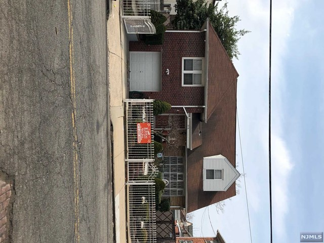376-378 3rd Avenue, Newark, NJ 07107